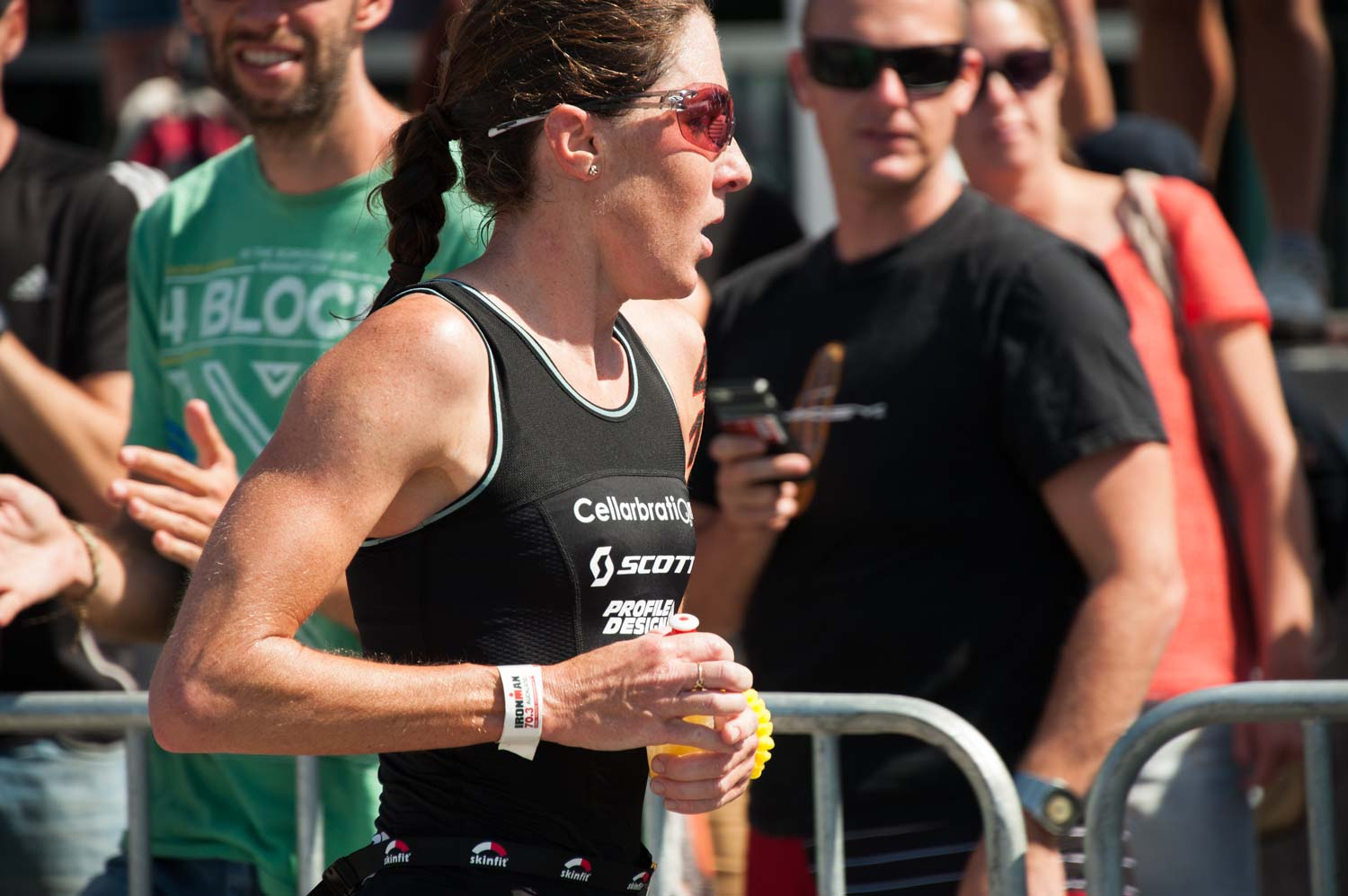 Annabel Luxford approaches the finish line to take second place.