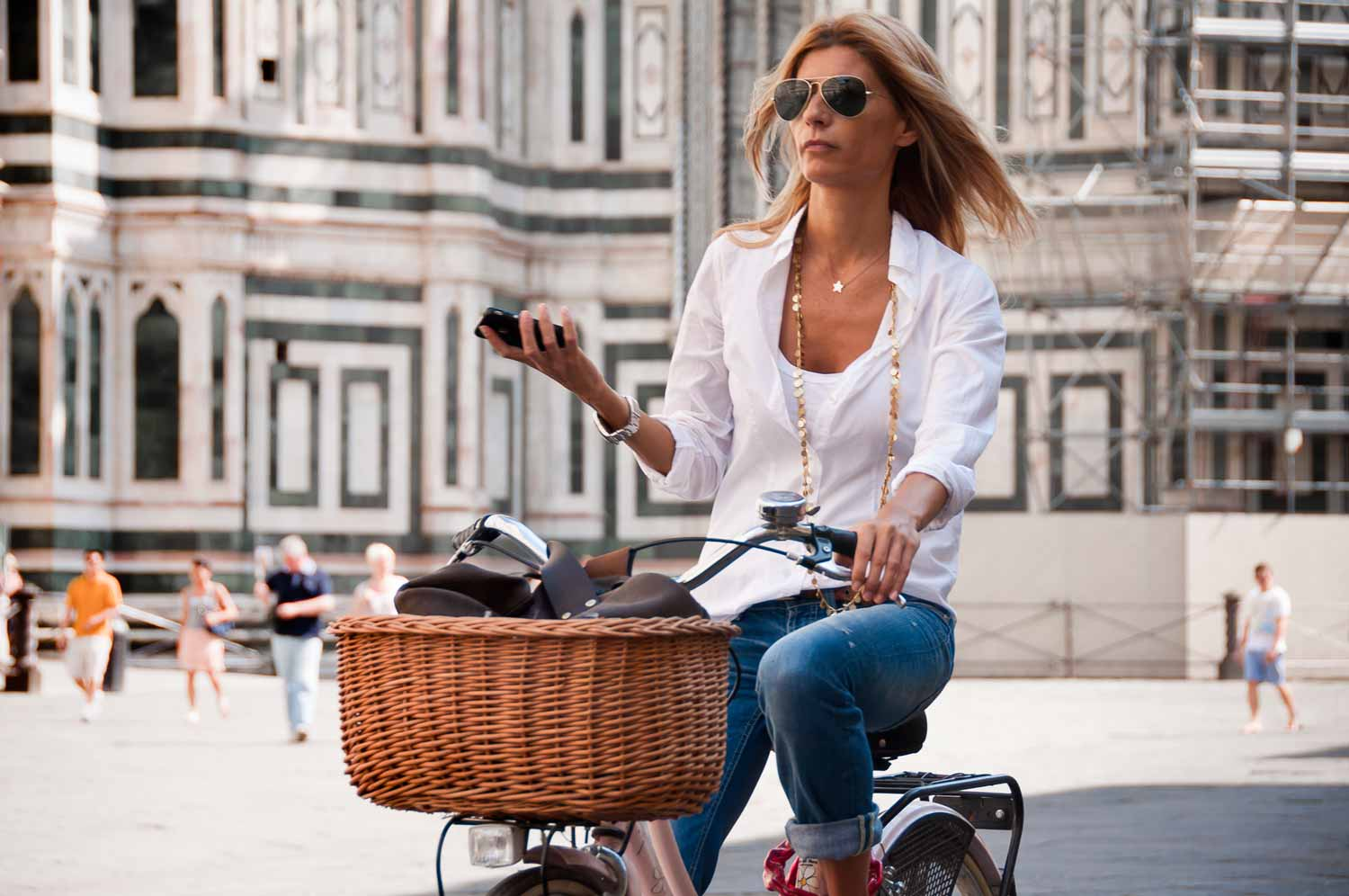 Cycling alongside the Florence duomo in Italian style.