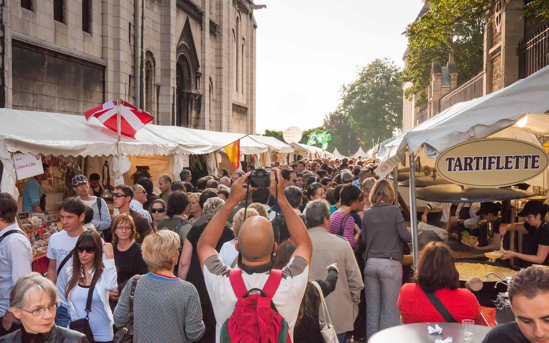Congestion during the Sunday market.